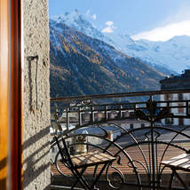 Spectacular views of the Mont Blanc Massif from this unique apartment in the centre of Chamonix which combines modern luxury with historic beauty