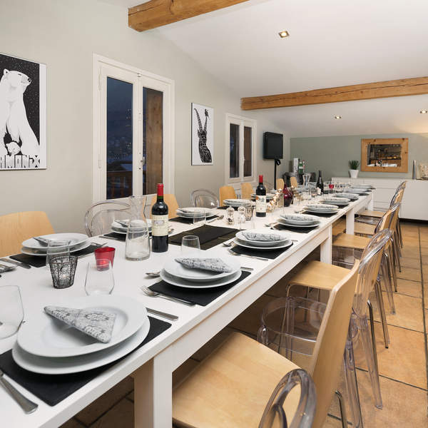 Ideal for Corporate groups or large families a 22 person dining area