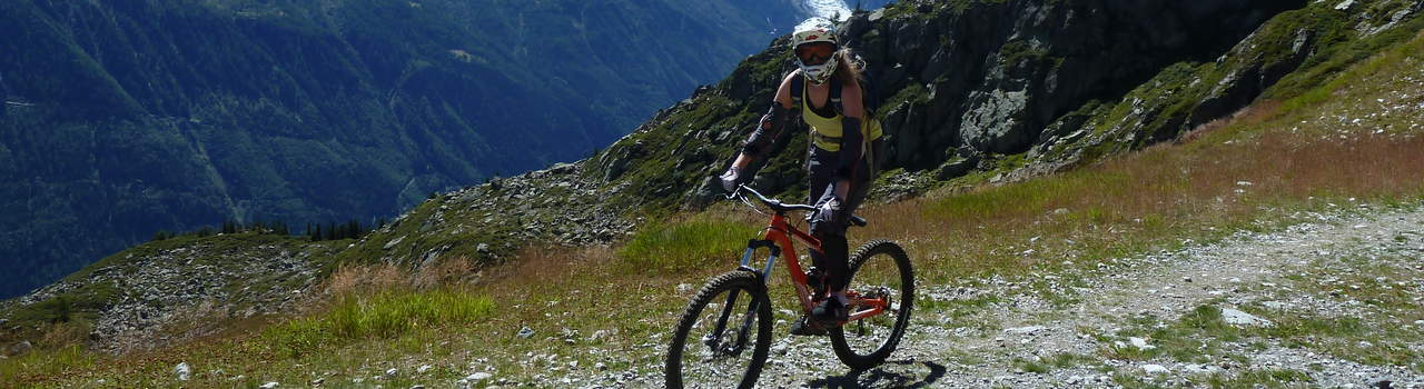 Mountain biking is the perfect sport for both families and corporate groups, with all levels of terrain in Chamonix